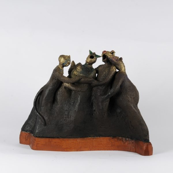 title: polonaise II  / size: 40 x 40 x 10 cm  /  material: ceramics