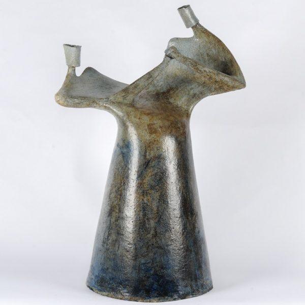 titel: dans III / afmeting: 60 x 45 cm / materiaal: keramiek