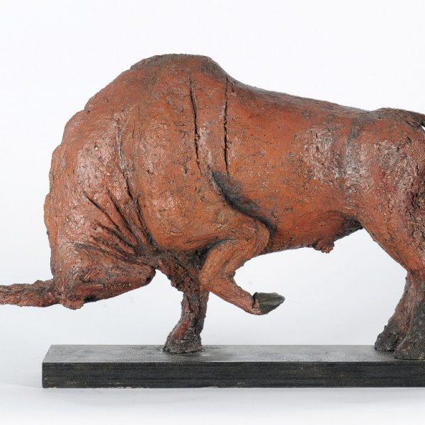 title: elk-antelope / size: 25 x 33 cm height / material: ceramics