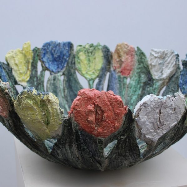 title: tulip bowl / size: ø 50 cm / material: ceramics